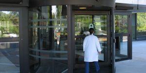Revolving door in Restaurant Burlington, London, Ottawa in Ontario